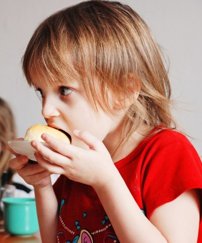 7 Foods to Avoid giving your child before Bedtime