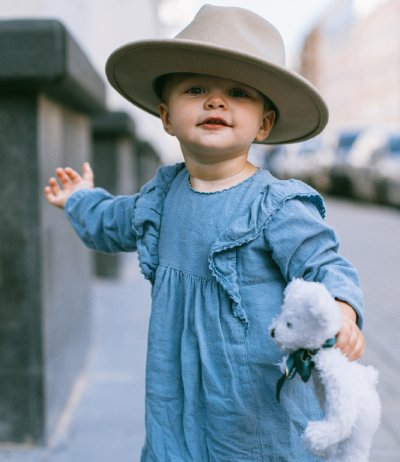 How to teach your child to dress by himself